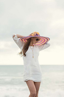 Sun-kissed-hat-at-beach_small2
