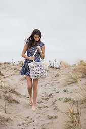Beach-rose-tote-crochet-pattern_small_best_fit