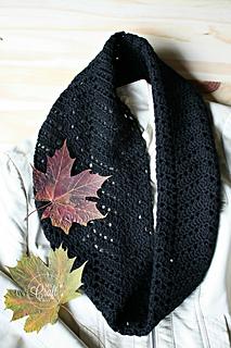 Crochet_cowl_black_small2