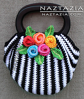Black-white-crochet-purse-with-flowers-swag-bag_small2