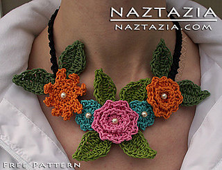 Sarahs-florals-crochet-flower-necklace_small2