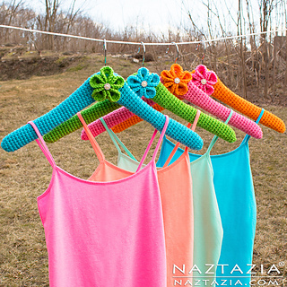 Crochet-clothes-hanger-hangers-diy-tutorial-donna-wolfe-naztazia_small2