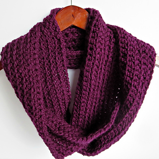 Ravelry Easy Ribbed Infinity Scarf Pattern By Nicole Bencker