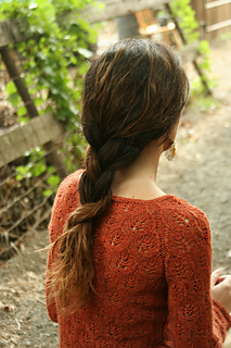 Leaf_lace_raglan_closeup_small2