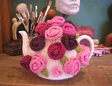Resized_roses_tea_cosy_small_best_fit