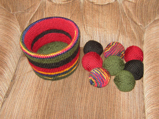 Bucket_o__balls_2a_march_2010_small2