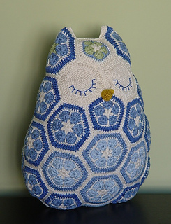 Ravelry Maggie The African Flower Owl Pillow Pattern By Jos Crocheteria