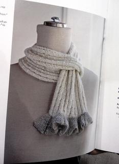 Flower_ruffle_scarf_1_small2