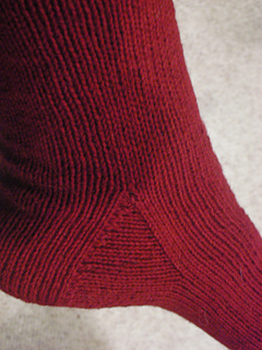 Socks_and_yarn_008_small2