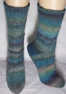 Cascading_water_sock_patons_fx_sock_yarn_small2