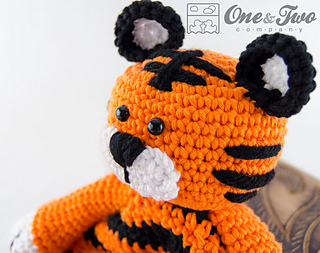 Tiger_security_blanket_03_small2
