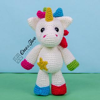 Nuru_the_unicorn_amigurumi_crochet_pattern_01_small2