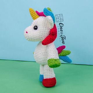 Nuru_the_unicorn_amigurumi_crochet_pattern_06_small2