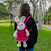 Olivia_the_bunny_backpack_crochet_pattern_01_small_best_fit