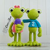 Kelly_the_frog_amigurumi_crochet_pattern_05_small_best_fit