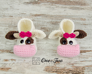 Doris_the_cow_booties_toddler_sizes_crochet_pattern_01_small2