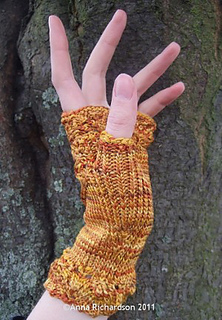 Hester_gold_l_thumb_small2