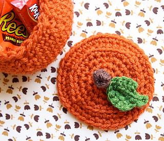 One-sheepish-girl-crochet-pumpkin-bowl-4_small2