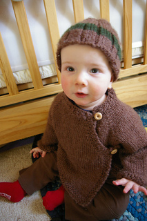 Brown_sweater_and_toque010_small2