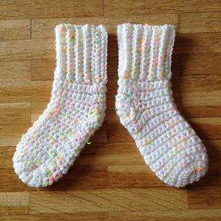 Ravelry Newborn Baby Socks Pattern By Sarah Lora