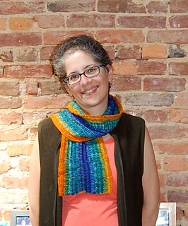 Happy_scarf_detail_small2