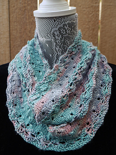 Tridacna_cowl_doubled_small2