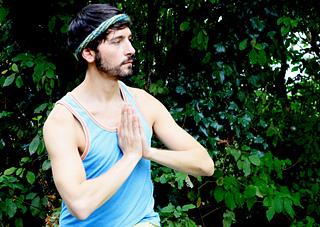 Twist-yoga-lores_small2
