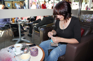 Pea-knitting-in-public_small2