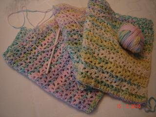 Knit_blanket___crochet_bib___blanket_001_small2