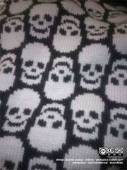 Skulls_background_small