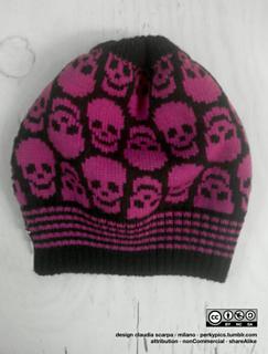 Skulls_hat_small2