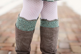 Petal_knits_boot_cuffs_089_d_war_copy_small2