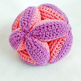 Crochet_clutch_ball_pattern__2_of_5__small2