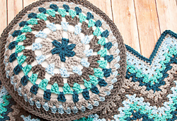 Lacy_ripple_afghan_and_granny_pillow_pattern_10_2014-3_small_best_fit