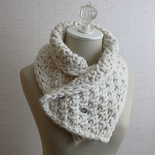 Snow_neckwarmer_3a_small2