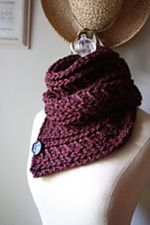 Burgundy_cowl_1_small2