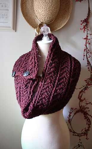 Burgundy_cowl_3_medium