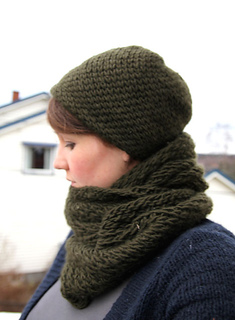 Hat_cowl_small2