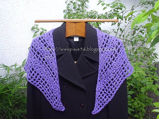 Purple_shawlette_small2