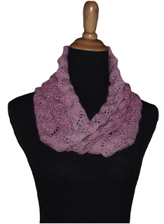 Featherscarf_for_rav_small2