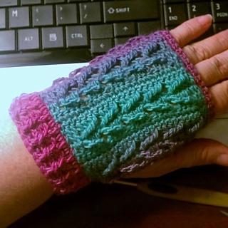 Falling_leaves_fingerless_gloves_007_small2