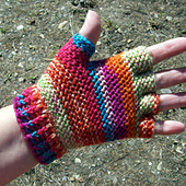 Fingertip_gloves_007_small_best_fit