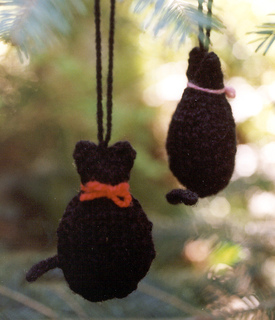 Plane_images_black_wool_cat_ornament_small2