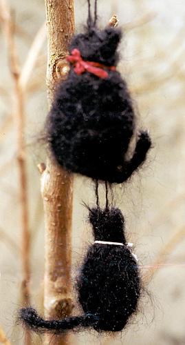 Plane_images_black_mohair_cat_ornament_medium
