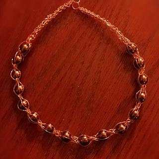Loveknotnecklace_small2