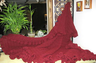 Shawl-ruffled-mulberry-web-090908_small2