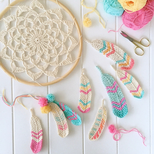 Plumes crochetées Tunisian Feathers par Poppy & Bliss (Michelle Robinson)