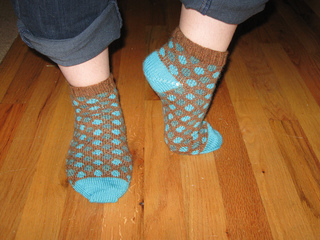 Polka_dot_socks_1_small2