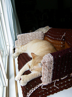 Ravelry Kitty Couch Green Sofa Pattern By Candy Clayton