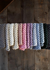 Eleventh-hour-scarf-gentle-giant-600-21_small